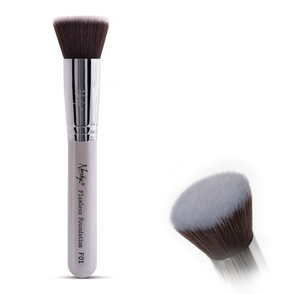 Flat Kabuki brush