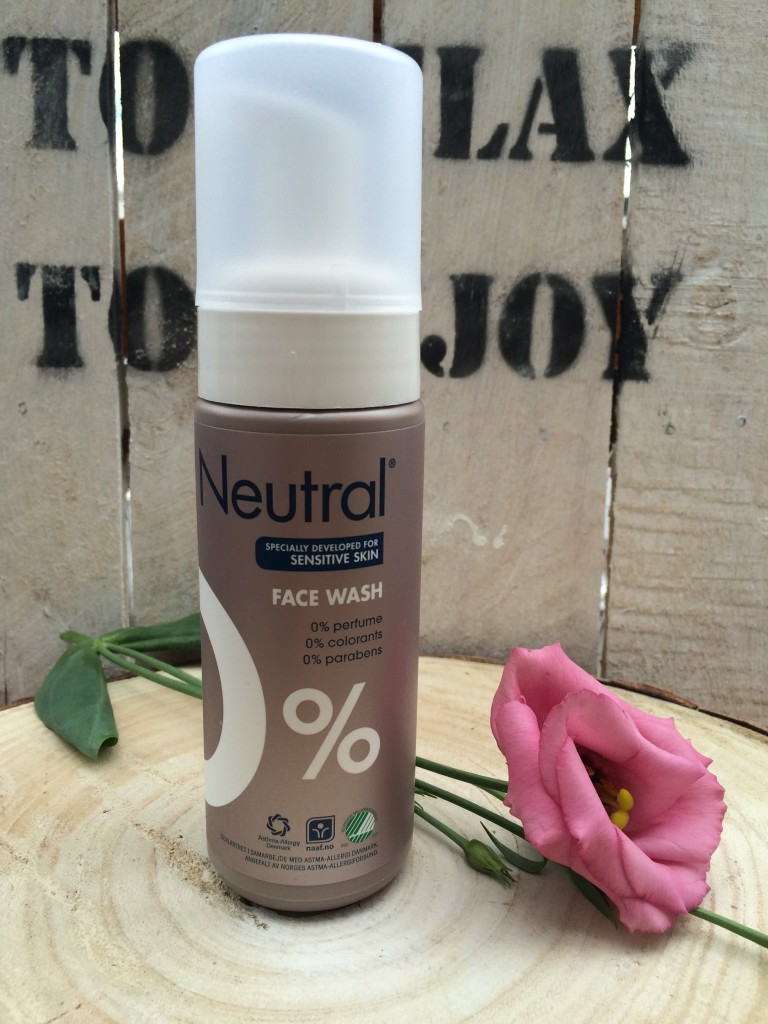Beauty Review | Neutral Face Wash