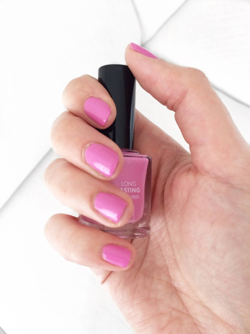 Swatch HEMA Longlasting nailpolish Old Pink