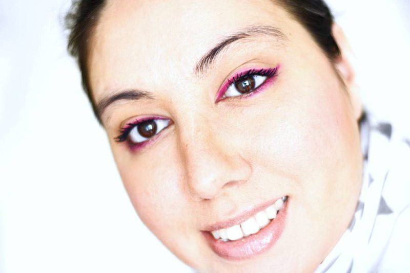 Sleek acid 570 pink eyeliner