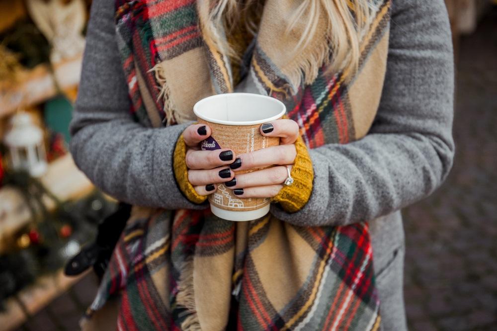 7 Tips om van die gele nagels door nagellak af te komen!