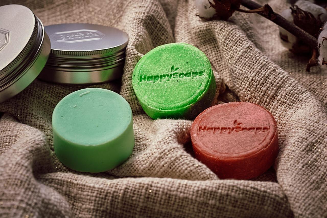 Beauty review Vegan en plasticvrij mijn krullen wassen met Happy Soaps