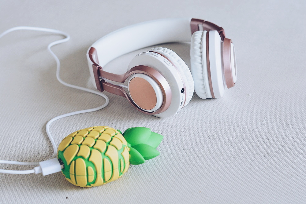 Blogger Must Haves wirelss Headphones en Ananas powerbank
