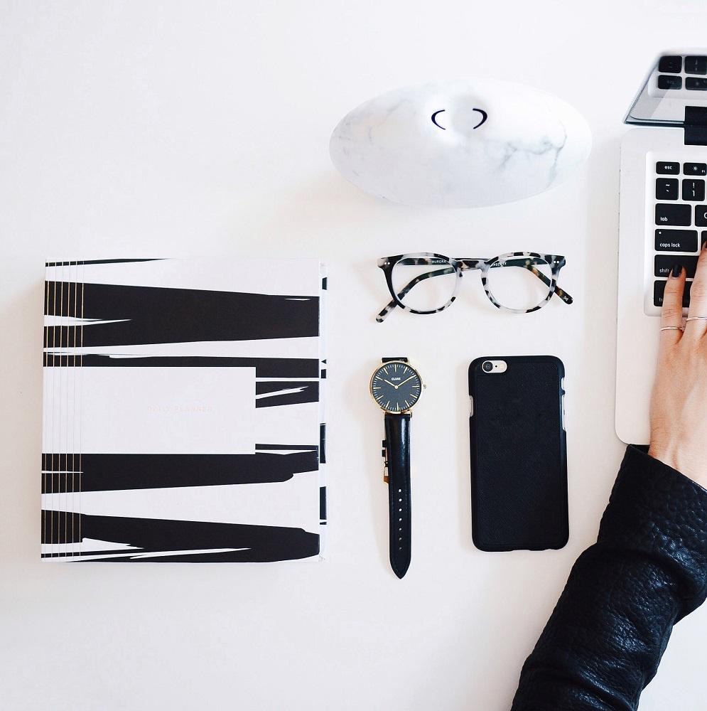 Girlboss | 8 Tips om kosten te besparen als je vanuit huis werkt