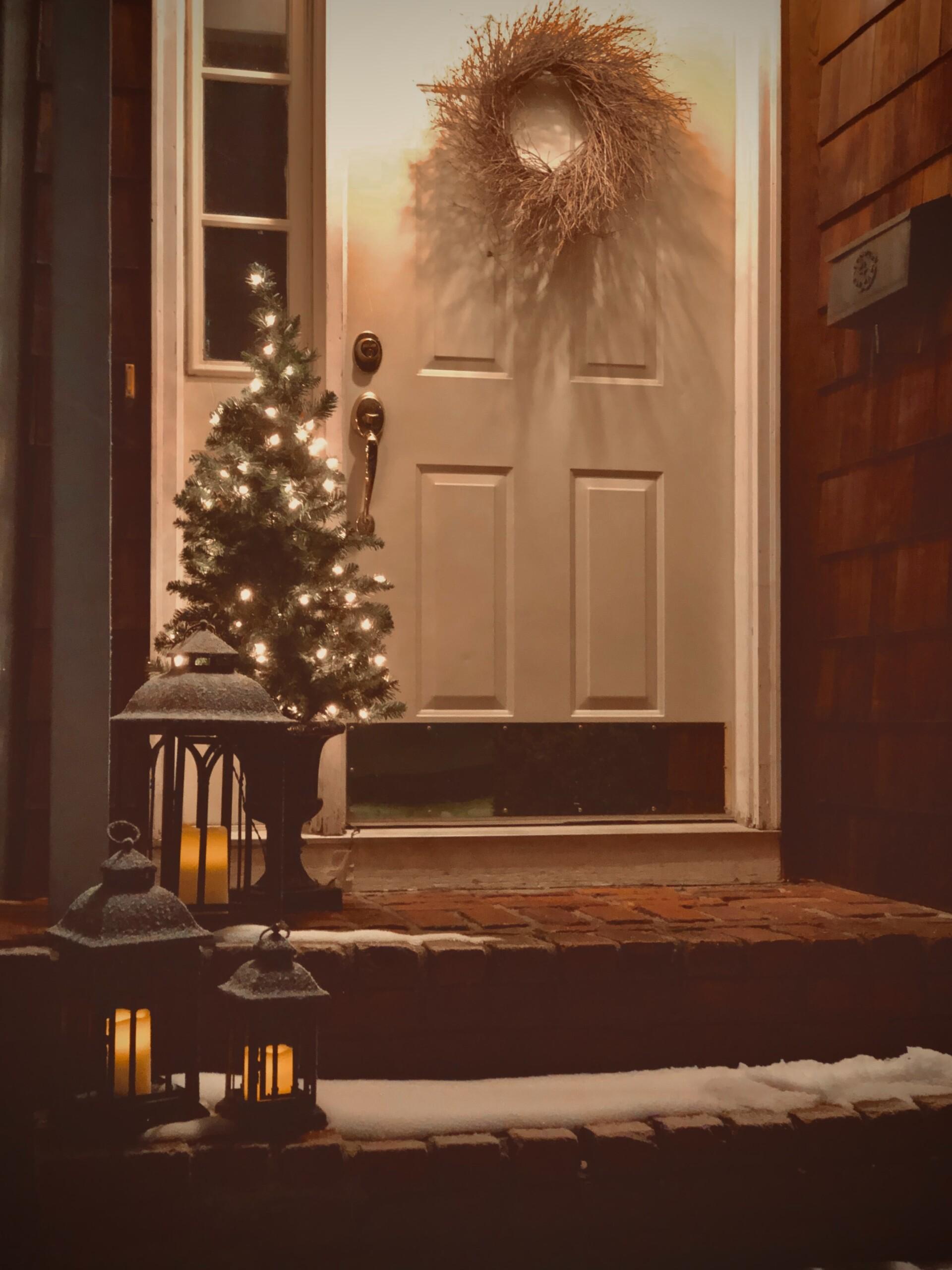 Laat in de winter een lichtje aan bij de voordeur