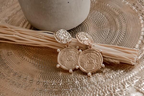 Oorbellen goud met munten en pareltjes