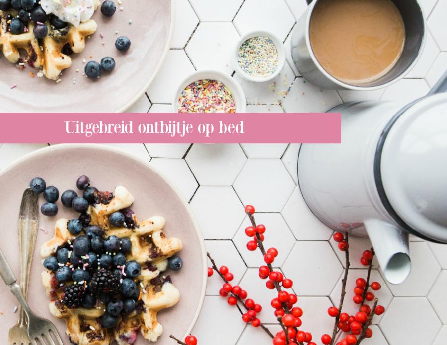 Uitgebreid ontbijtje op bed