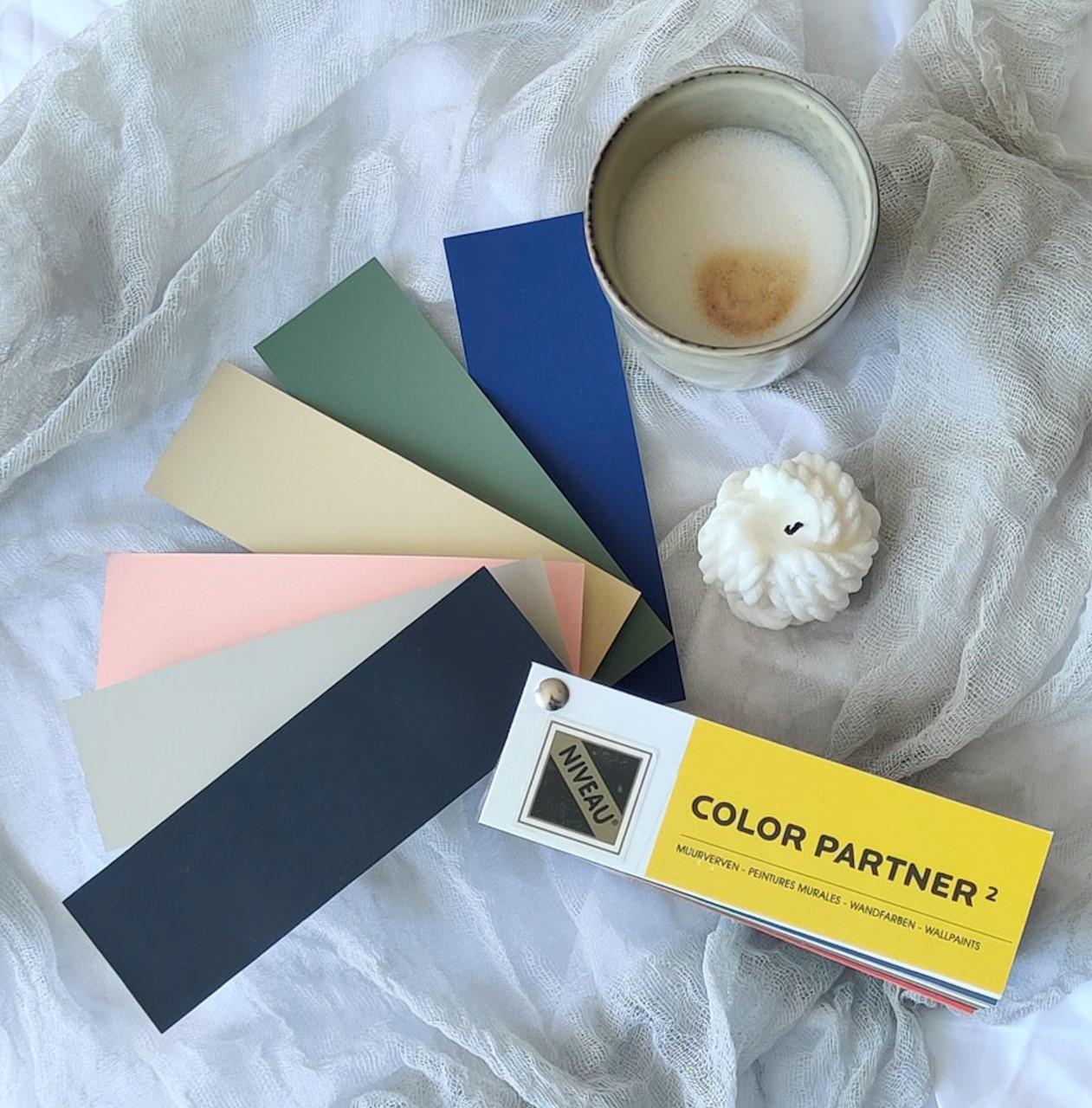 Verf van Niveau herfst kleurentrends 2021 zonder filter