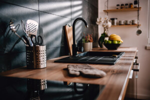 Woontrend | 5 x waarom een zwarte keuken niet eng is