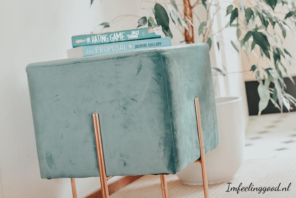Woontrend | Decoratieve kruk van velours in je interieur